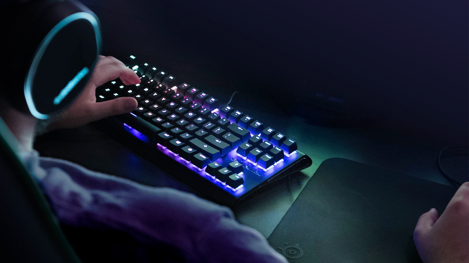 Apex M750 TKL Keyboard Tournament Gaming